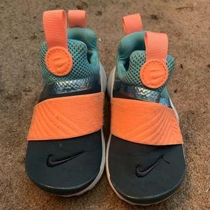 Used toddler Nike presto, size 7